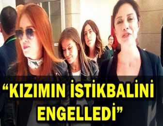 ELÇİN SANGU'YA MAHKEMEDE ANNE DESTEĞİ!